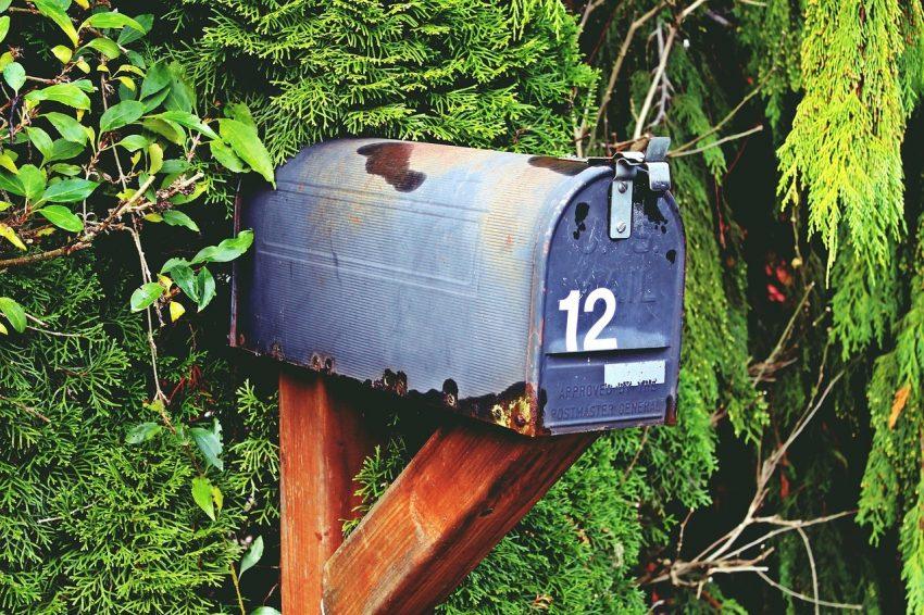 Mailbox Nr 12